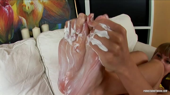 Leggy Slavic charmer Polina touches her cooch and feet