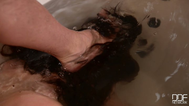 No-nonsense BDSM style washing with compliant buxom tool Lucia Love