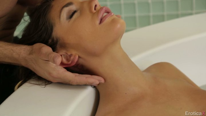 Beauty queen of millions – August Ames appreciates wild sex subsequent to washing with her man