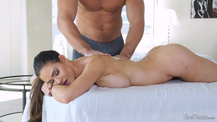 Muscle stud treats curvy MILF Kendall Karson with back rub and his fat dong