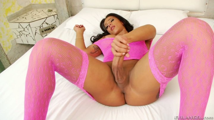 All around hung outlandish shemale with frantic bends Nicolly Navarro cums hard