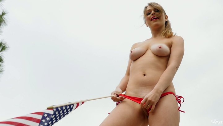 Delectable youthful floozy Alaina Fox pets her shellfish in nature