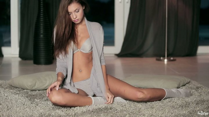 Stunning Czech angel Sabrisse mesmerizes with her treats in performance