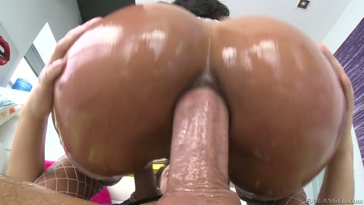 Oily Latina goods of Abby Lee Brazil eats up fat white dick
