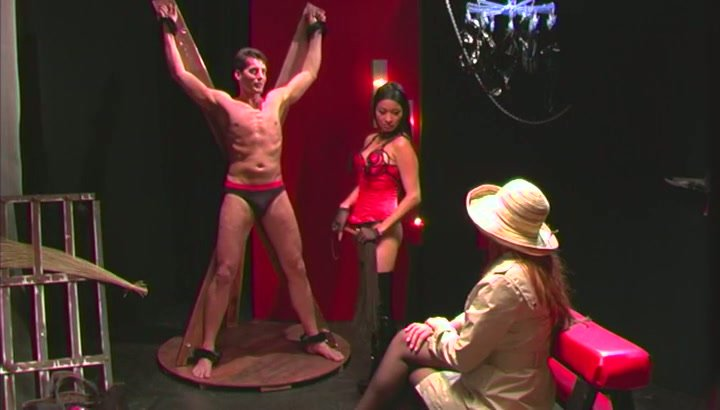 Asian Mistress shows English couple the delights of BDSM