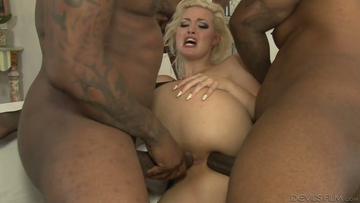 BBC someone who is addicted PAWG Jenna Ivory handles DP with posse of dark studs